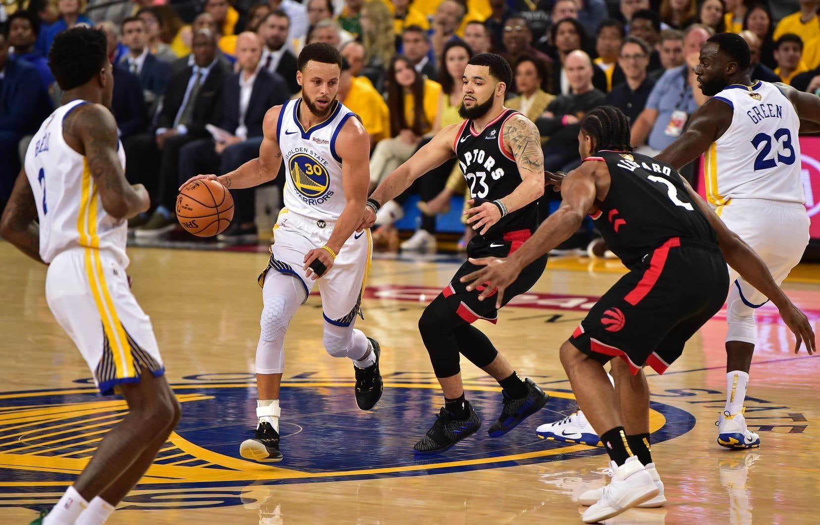 L'enthousiasme des amateurs de basketball d'un océan à l'autre n'a cessé de croître tout au long des séries éliminatoires de la NBA.