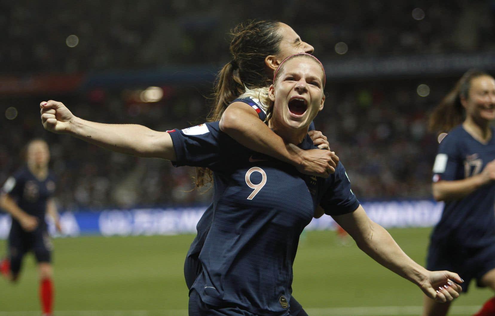 La Française Eugénie Le Sommer a marqué le but vainqueur sur un coup de pied de réparation pendant la 72eminute.