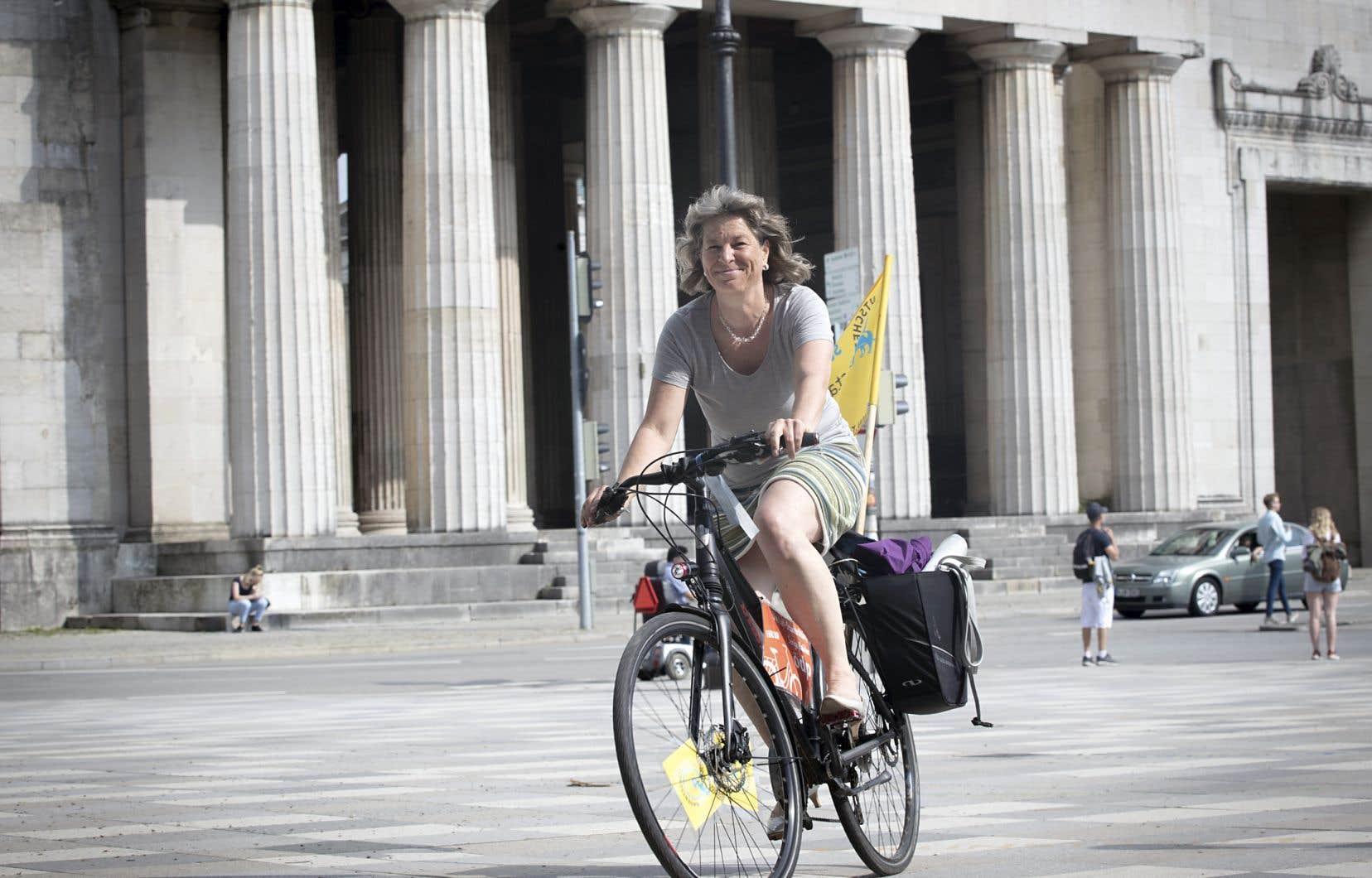 En ville, la conseillère municipale Sonja Haider se déplace toujours en vélo.