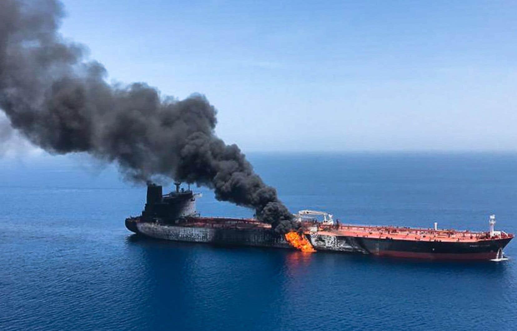 Deux pétroliers, norvégien et japonais, ont été la cible jeudi d'une attaque dans un passage maritime stratégique mondial, ce qui a immédiatement fait grimper les prix du pétrole.