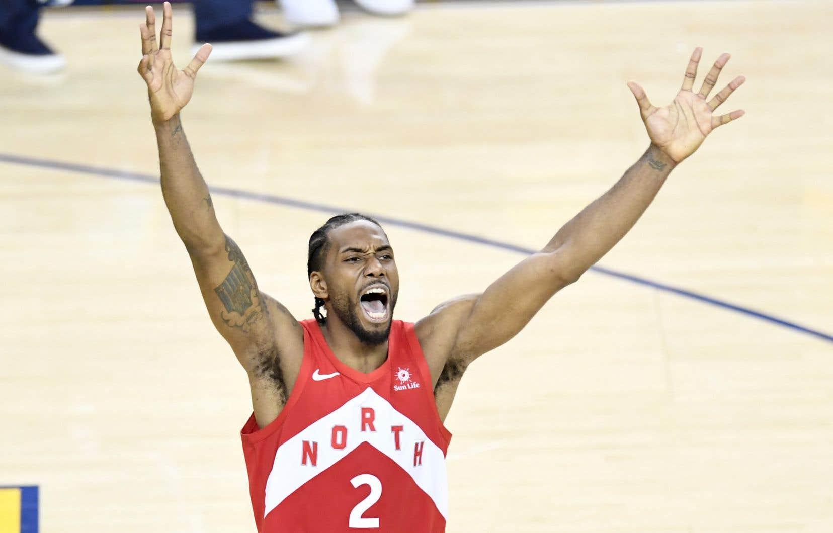 Kawhi Leonard a été nommé joueur le plus utile de la saison de la NBA.