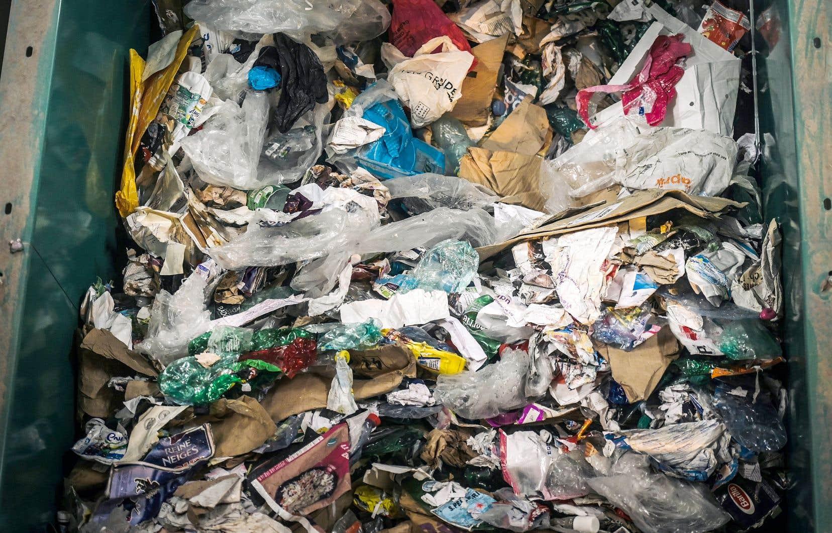 L'industrie du plastique réserve un accueil tiède à l'interdiction du plastique à usage unique comme annoncée par Justin Trudeau.