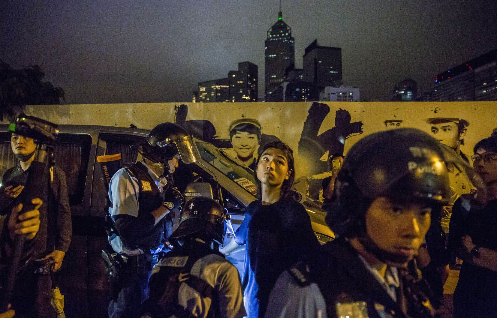 En début de semaine, la police de Hong Kong a procédé à de nombreuses fouilles, ce qui a contribué à faire monter la colère des manifestants.