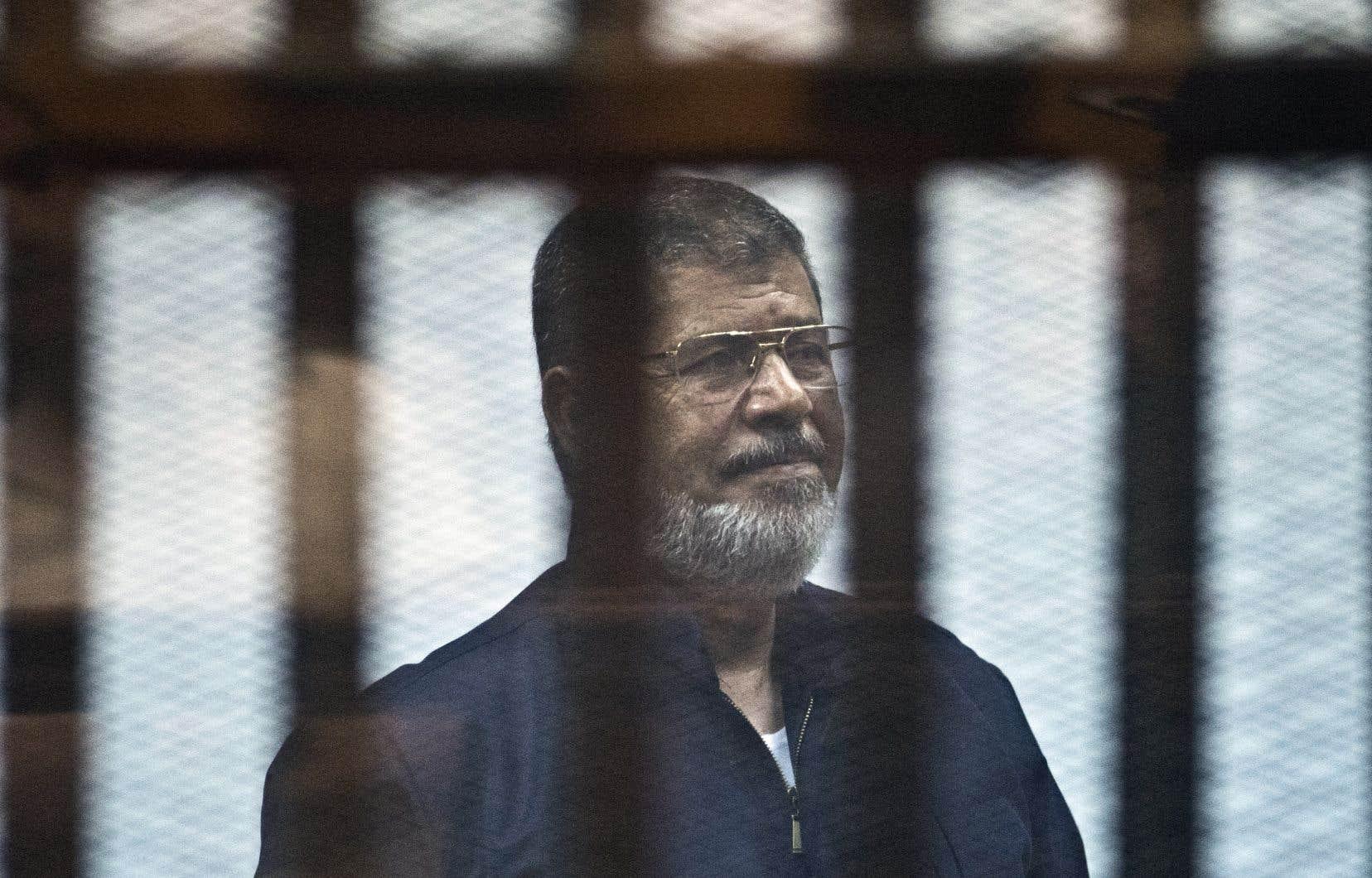 L'ancien président égyptien Mohamed Morsi, en détention depuis 2013