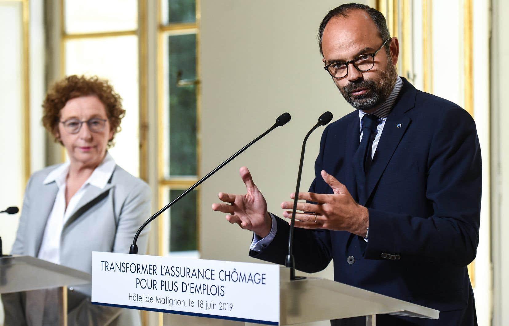 La réforme vise en particulier à retirer jusqu'à 250 000 personnes de la liste des chômeurs indemnisés, ce qui représenterait une économie de 3,4 milliards d'euros d'ici à fin2021, a expliqué le premier ministre Edouard Philippe.