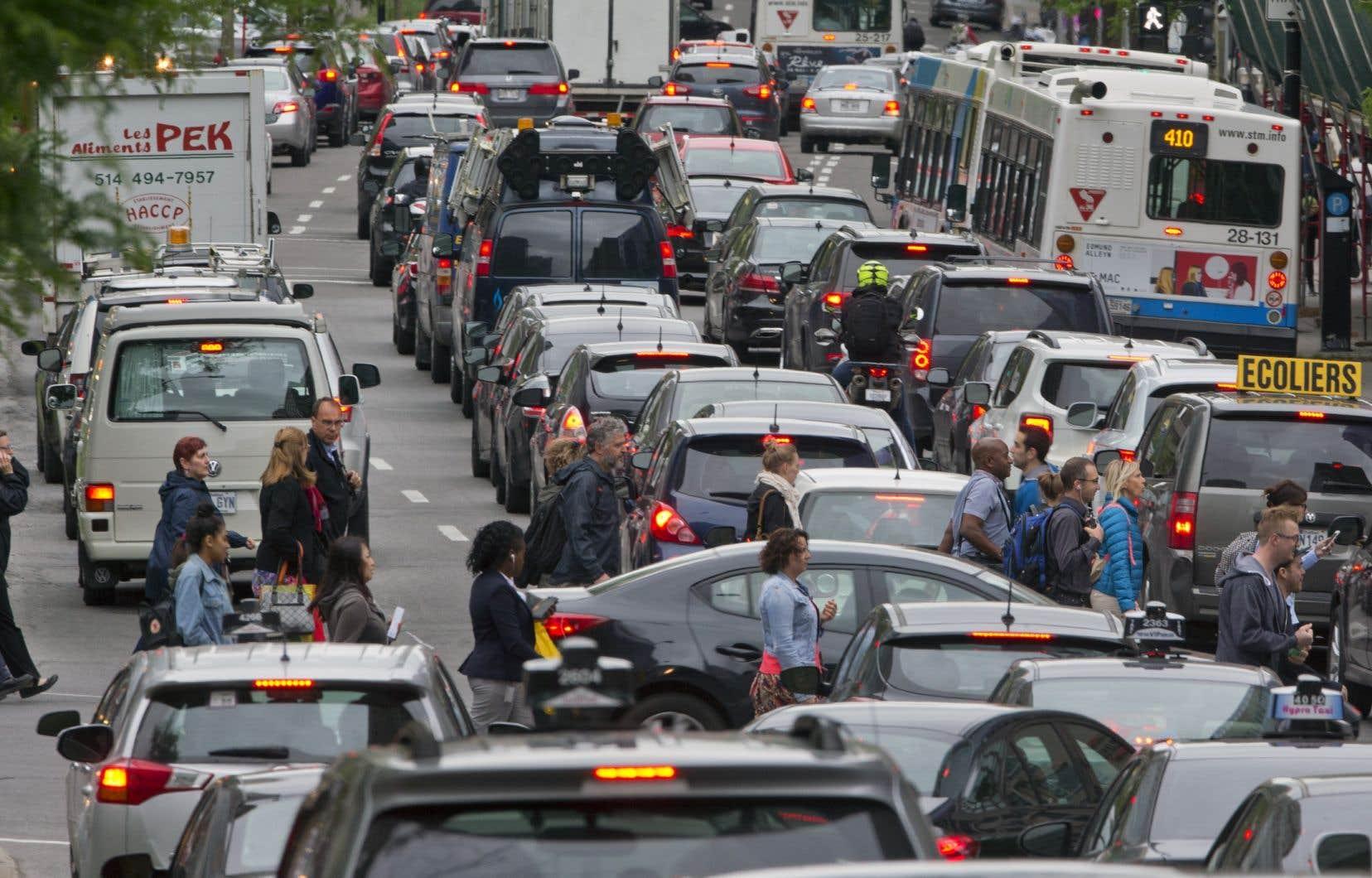 La taxe sur l'immatriculation fait partie des solutions avancées par la Commission du transport de la CMM pour éponger une partie des coûts du transport en commun.