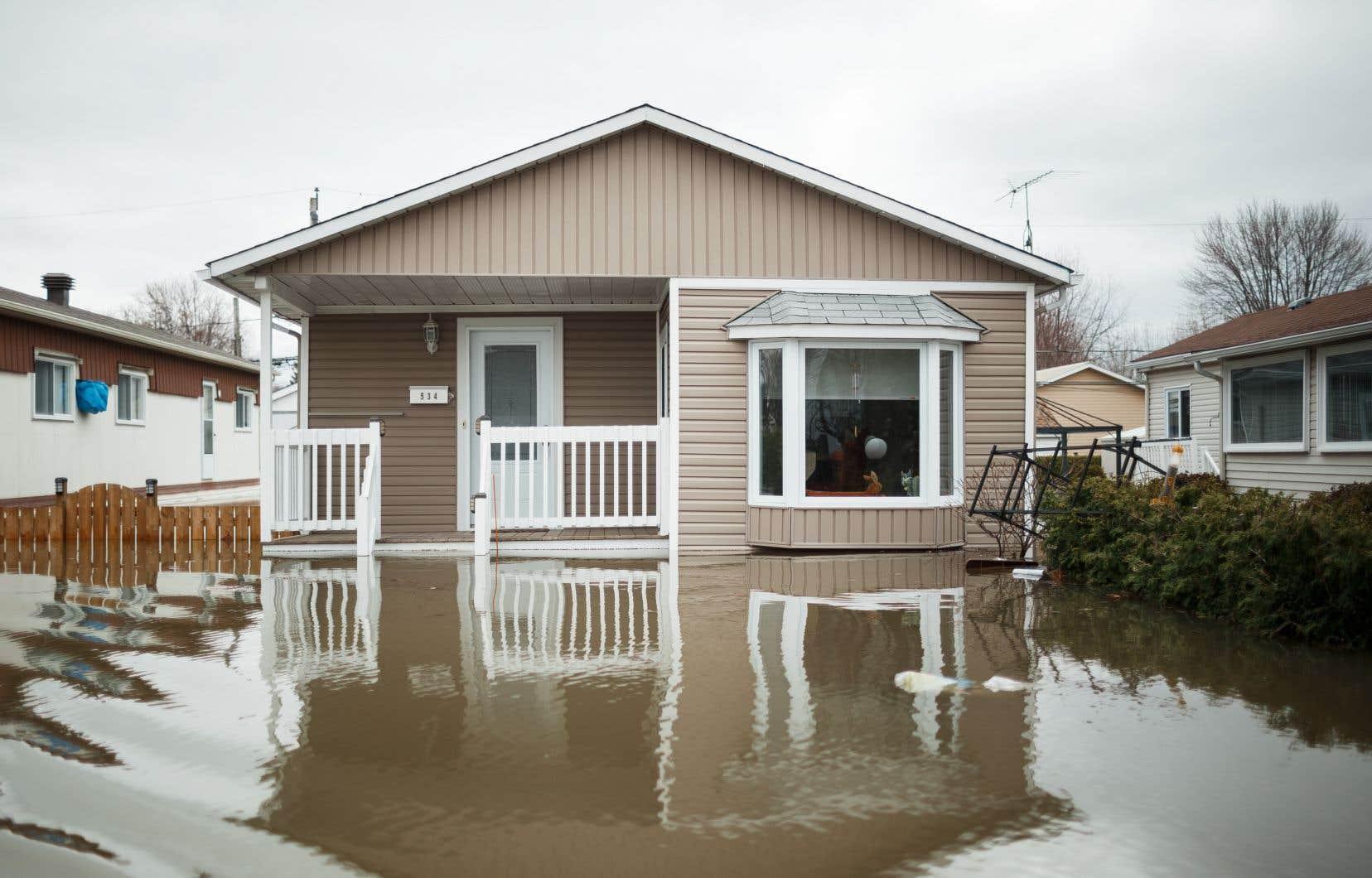 Au début du mois de mai, 10 000 personnes étaient évacuées en raison des crues printanières.