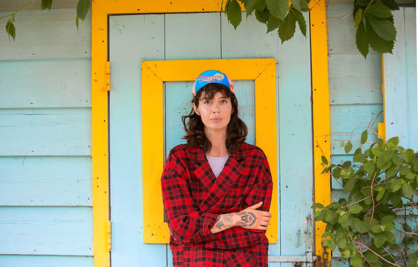 Dans son jardin communautaire, Marie-Élaine Guay raconte en mode «fast-forward» ses petites révolutions spirituelles et ses réinventions totales.