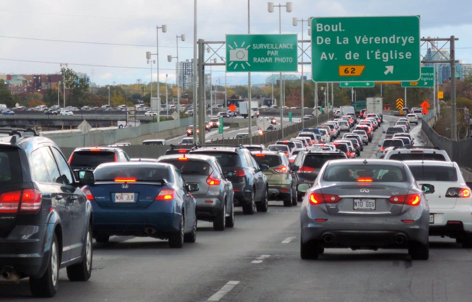 «Le secteur des transports, entre autres, aura besoin de mesures pour réduire ses GES, la congestion et le nombre de déplacements», mentionne l'auteur.