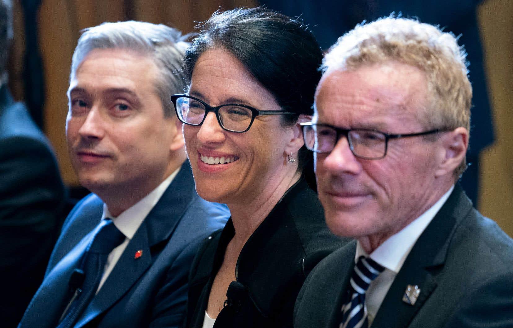 Les ministres des Infrastructures au fédéral, François-Philippe Champagne, de la Justice au provincial, Sonia LeBel, et du Travail au provincial, Jean Boulet, ont conjointement fait l'annonce de l'entente jeudi à Montréal.