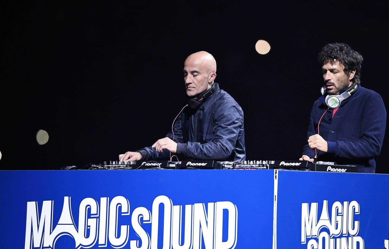 Philippe Zdar (à droite), dans un concert en 2016