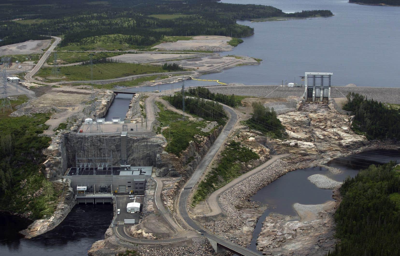 En août 2013, Pomerleau a obtenu un contrat de près de 52 millions pour des travaux d'aménagement intérieur de la centrale hydroélectrique et d'installation des systèmes mécaniques et électriques des groupes turbines-alternateurs
