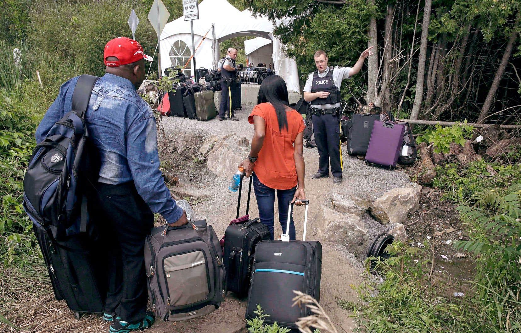 Depuis 2017, plusieurs milliers de demandeurs d'asile ont emprunté le chemin Roxham, à Saint-Bernard-de-Lacolle, en Montérégie, pour venir cogner aux portes du Québec.