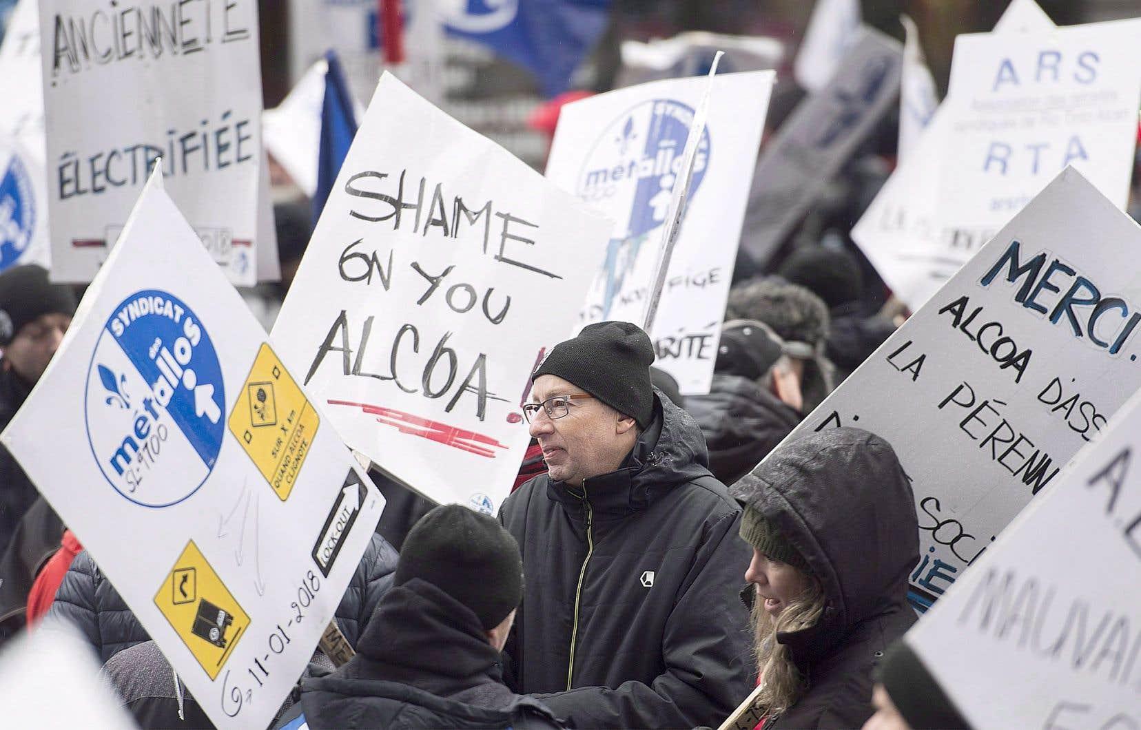 En novembre dernier, les employés d'ABI en lockout ont manifesté à Montréal.