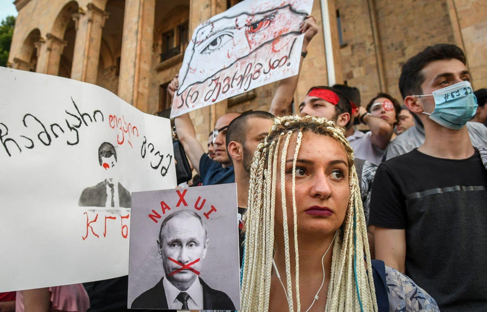 Des milliers de personnes ont manifesté en Géorgie pour la deuxième soirée consécutive contre le pouvoir jugé prorusse.
