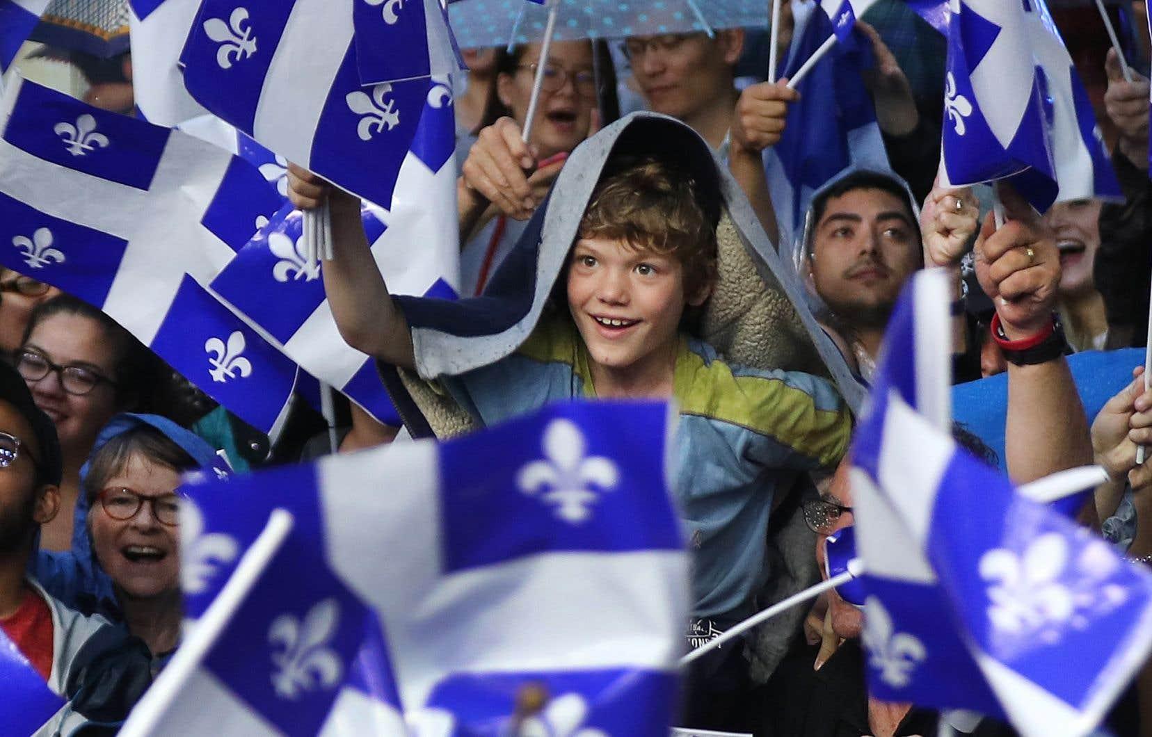 Plusieursspectacles à grand déploiement ont eu lieu dimanche soir notamment à Montréal, Québec, Gatineau, Trois-Rivières, Sherbrooke et Rimouski.