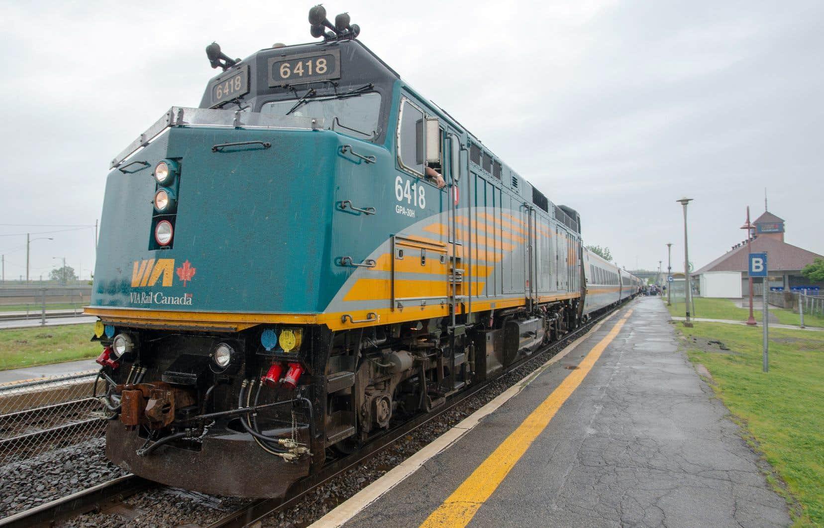 Via Rail veut construire un nouveau réseau de voies ferrées réservées exclusivement au transport de voyageurs entre le Québec et l'Ontario, un projet de plusieurs milliards de dollars.