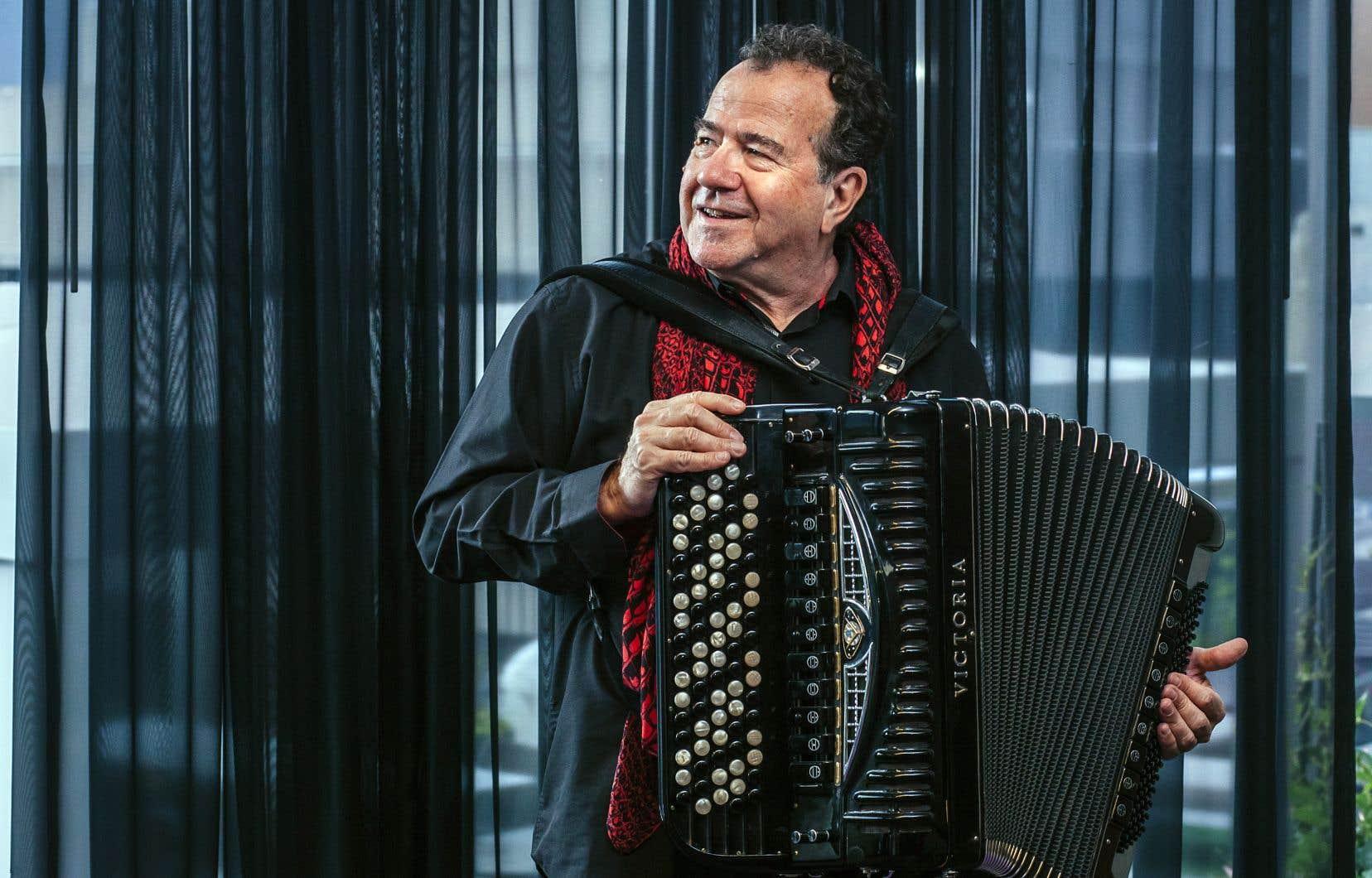 L'accordéoniste Richard Galliano est connu pour avoir créé le style New Musette, mélangeant le jazz et la musique populaire.