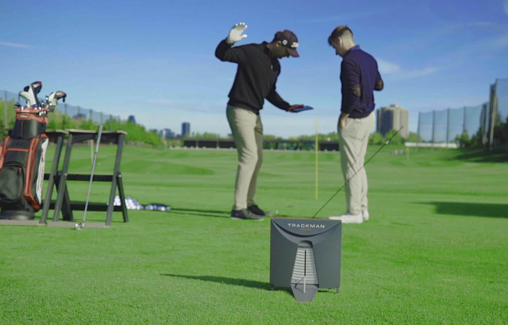 Golf Exécutif Montréal a voulu attirer de nouveaux golfeurs, en mettant à leur disposition des installations et des leçons qui leur permettront de découvrir ce sport, tout en s'amusant.