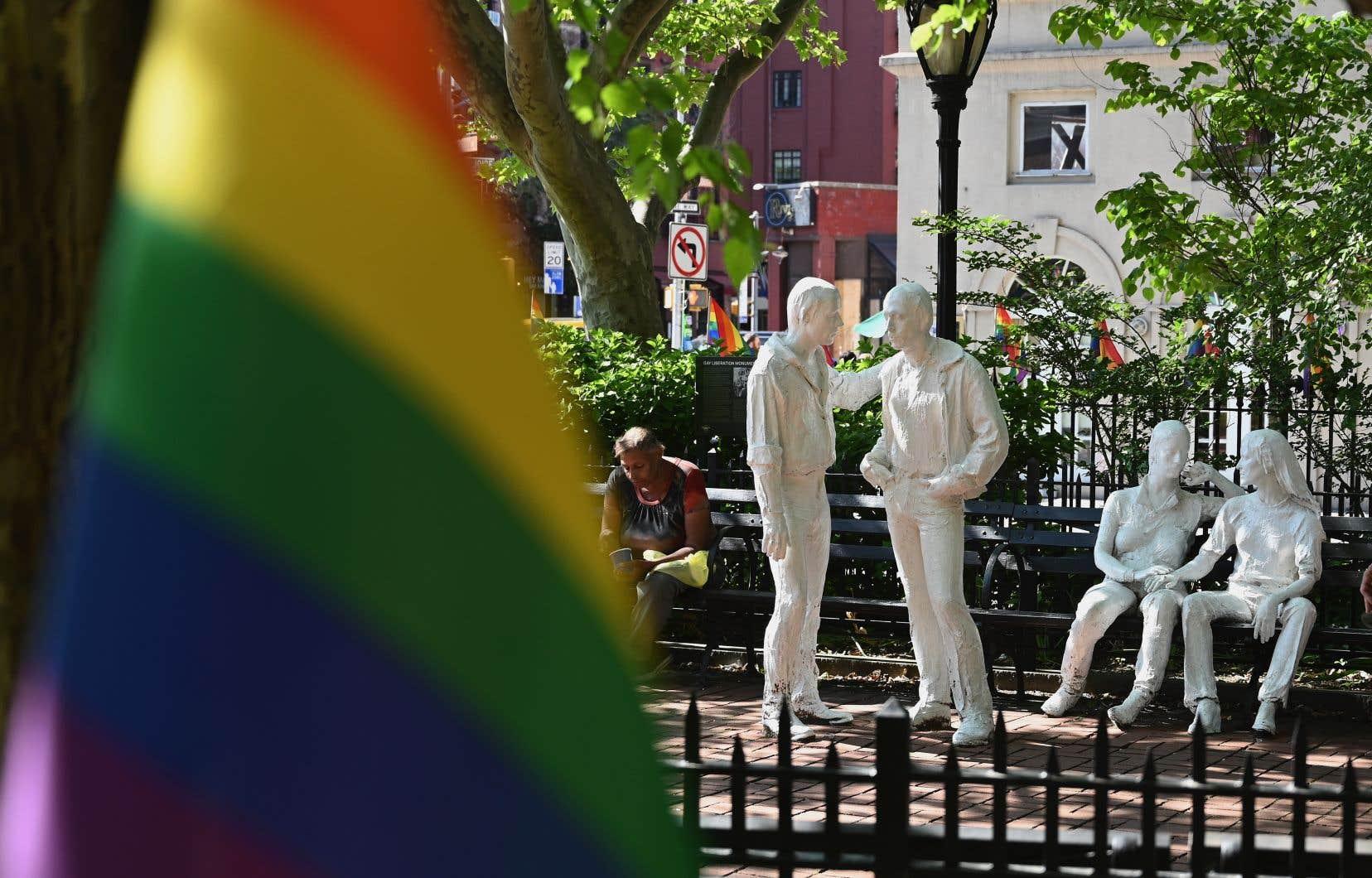 Désigné comme tel par Barack Obama le 24 juin 2016, le Stonewall National Monument est le premier monument américain consacré au mouvement LGBTQIA+.