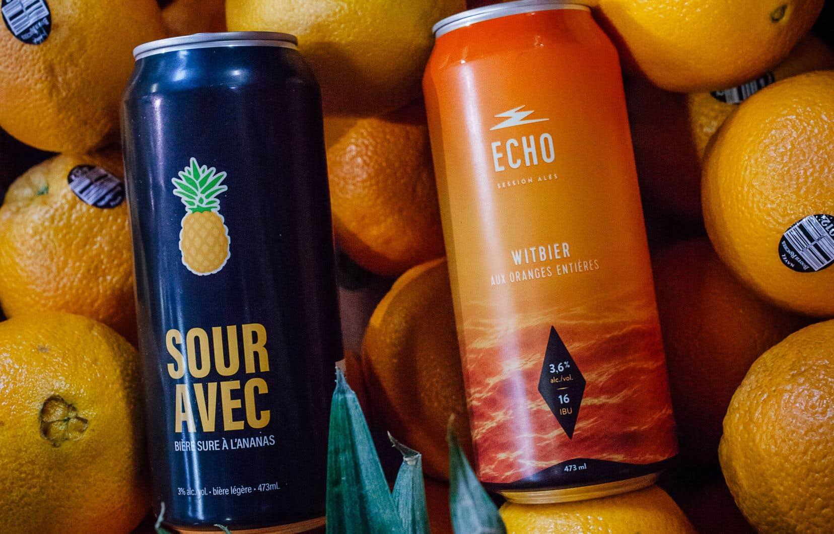 Deux bières très désaltérantes: la Sour Avec à l'ananas et la Witbier aux oranges entières