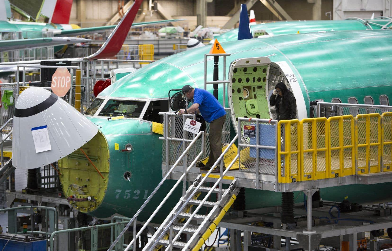 Boeing pourrait annoncer de premières mesures de chômage technique dans l'usine de production du MAX.