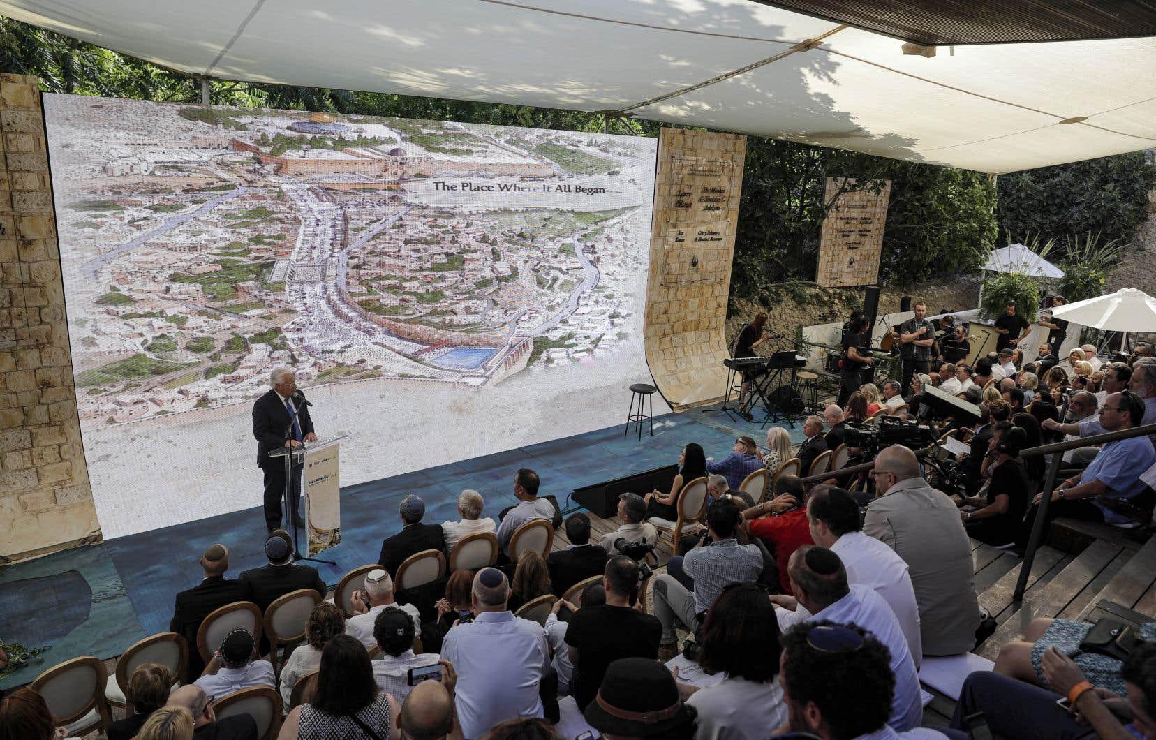 Dimanche soir, David Friedman, ambassadeur en Israël, a assisté avec des responsables israéliens à une cérémonie organisée par une association ultranationaliste israélienne.