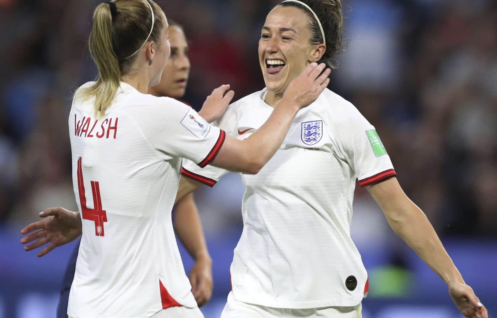 SelonLucy Bronze (à droite), le club français soutiendra l'Angleterre face aux Américaines, tombeuses de l'équipe de France en quart de finale.