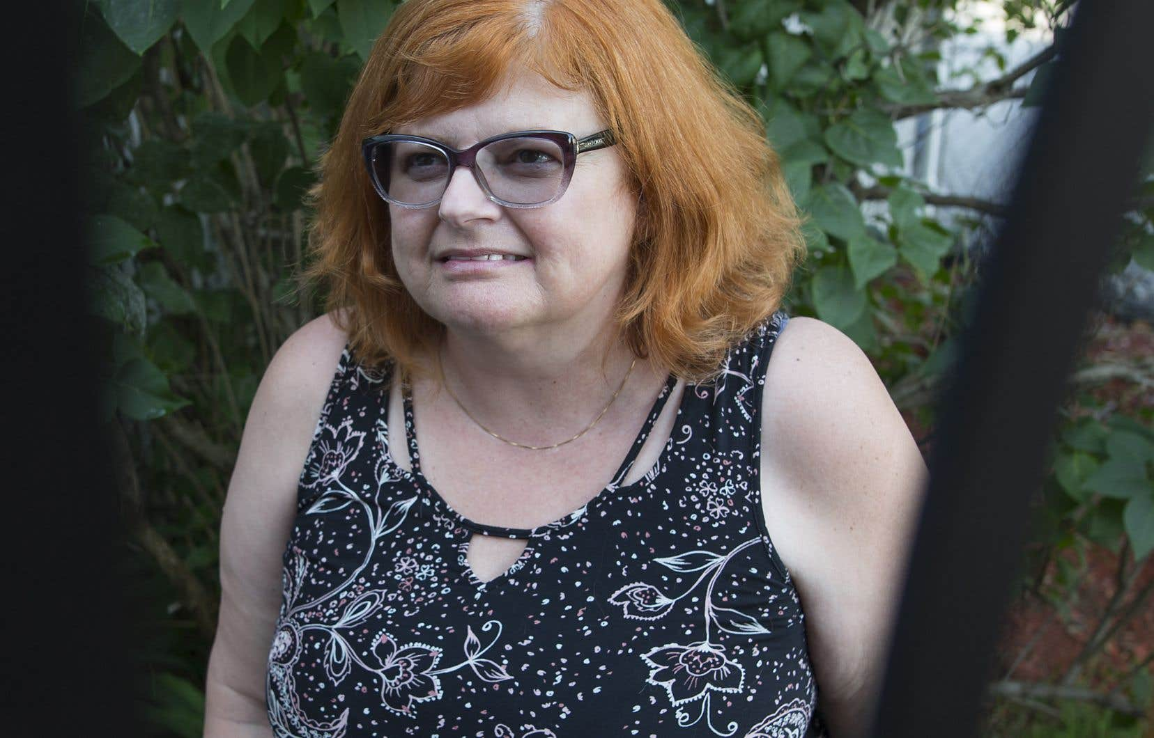 Monique Adams, une résidente de Repentigny de 56 ans, souffre de façon intense et continue depuis des années.