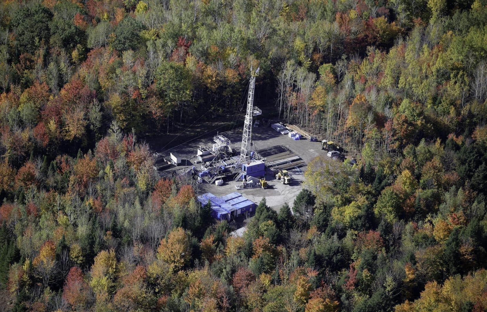 Les groupes écologistes dénoncent les projets de Questerre et d'Utica Resources.