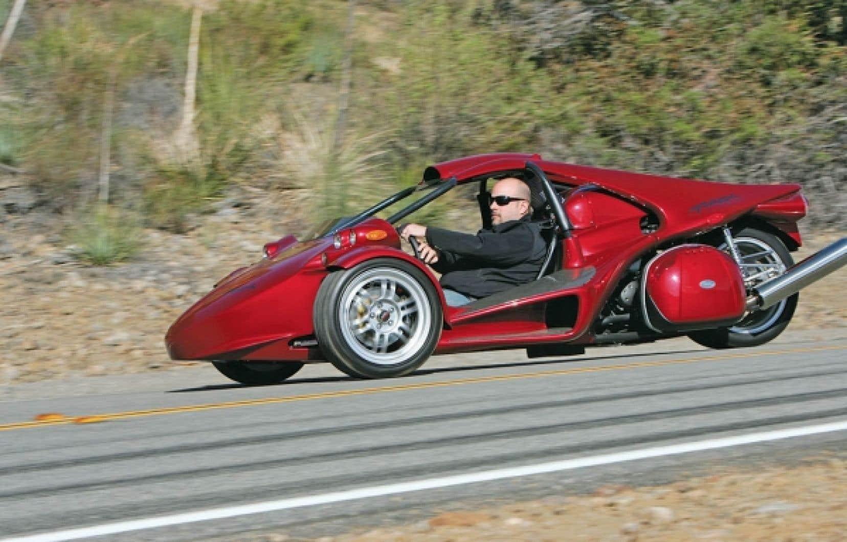 La T-Rex de Campagna Motors fait le 0-100 km/heure en 3,9 secondes! <br />