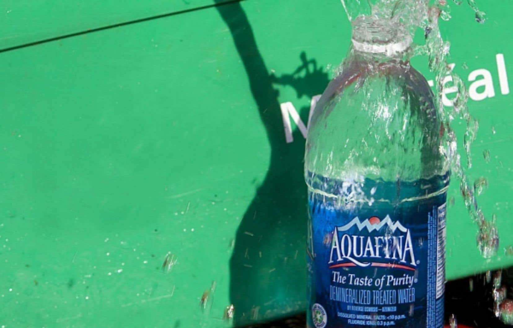 PepsiCo remplit ses bouteilles de marque Aquafina vendues au Québec avec de l'eau provenant de l'aqueduc de la Ville de Montréal.
