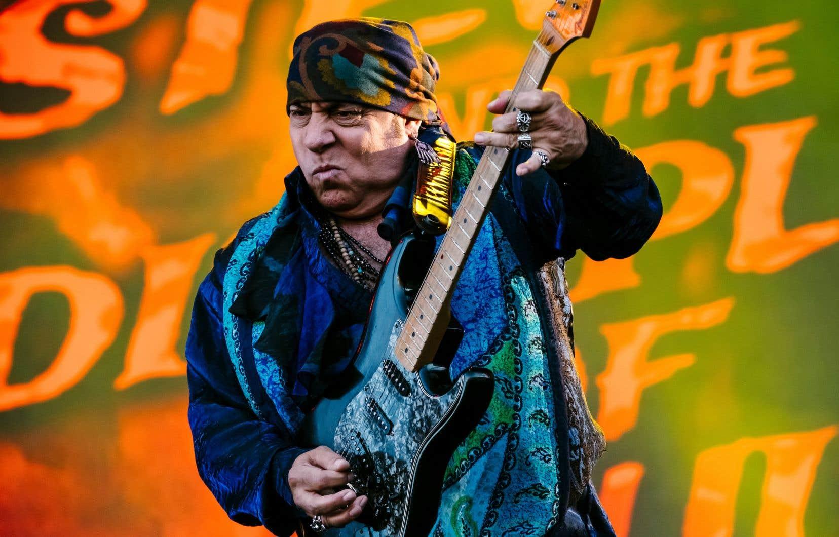 Steven Van Zandt aliasLittle Steven nous a convié à une véritable grand-messe «rock'n'soul»<em> </em>salvatrice, samedi soir au Festival d'été de Québec.