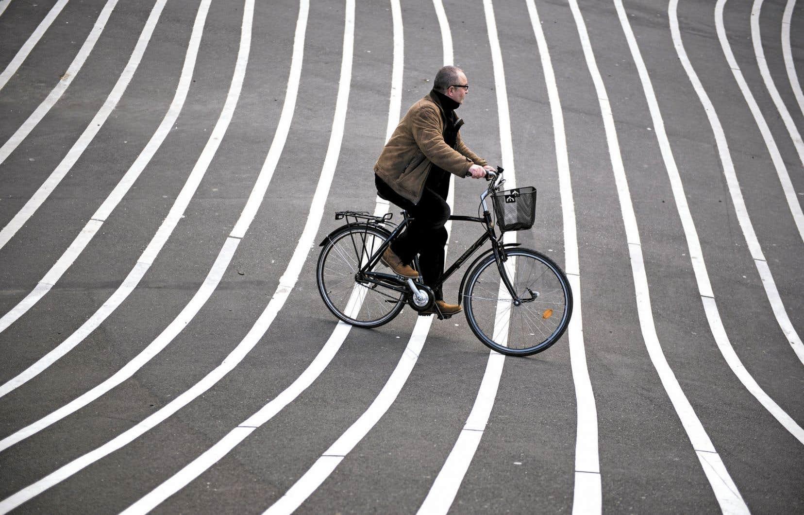 Les infrastructures consacrées aux cyclistes ont aussi un effet positif sur la mortalité routière urbaine en général.
