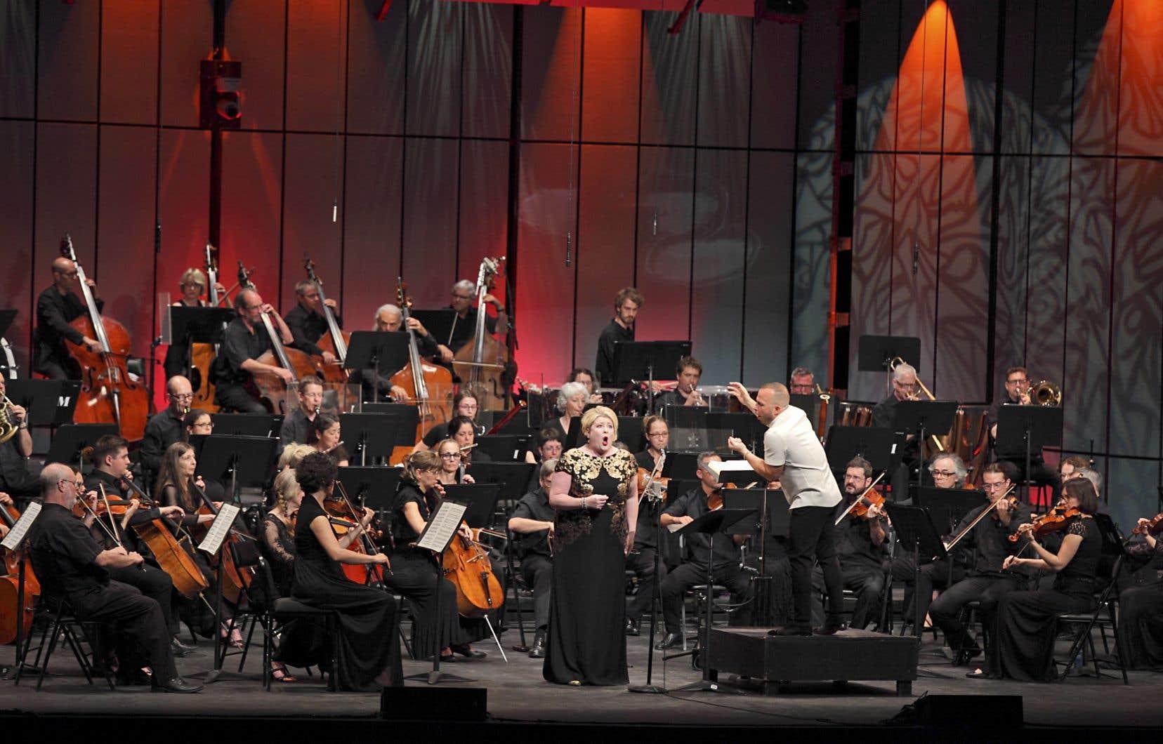 Le chef Yannick Nézet-Séguin et l'Orchestre Métropolitain ont présenté un concert hommage au compositeur français Hector Berlioz samedi.
