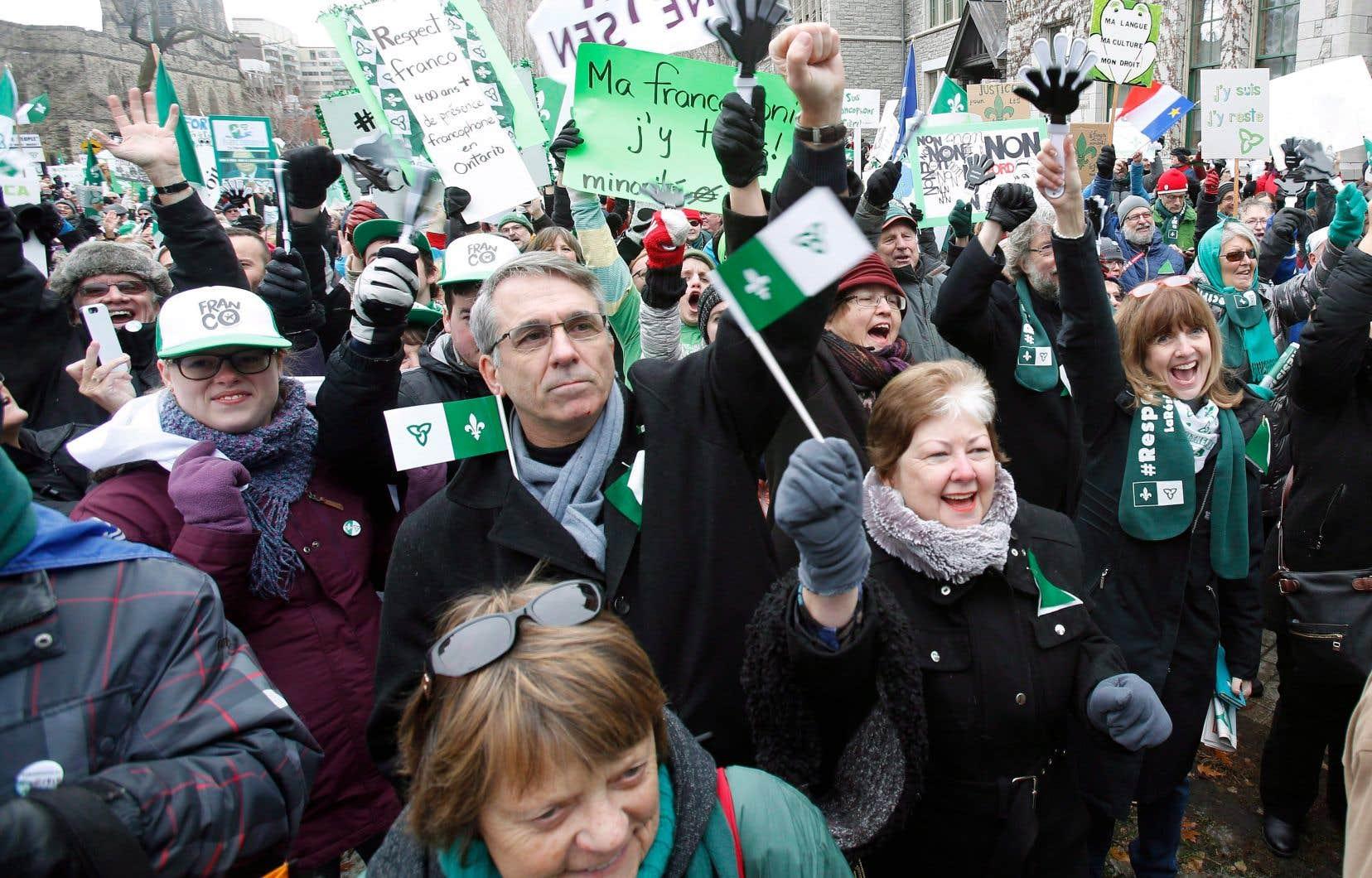 Des Franco-Ontariens manifestant à Ottawa, en décembre dernier, à la suite de l'annonce par le gouvernement de Doug Ford de coupes dans les services en français