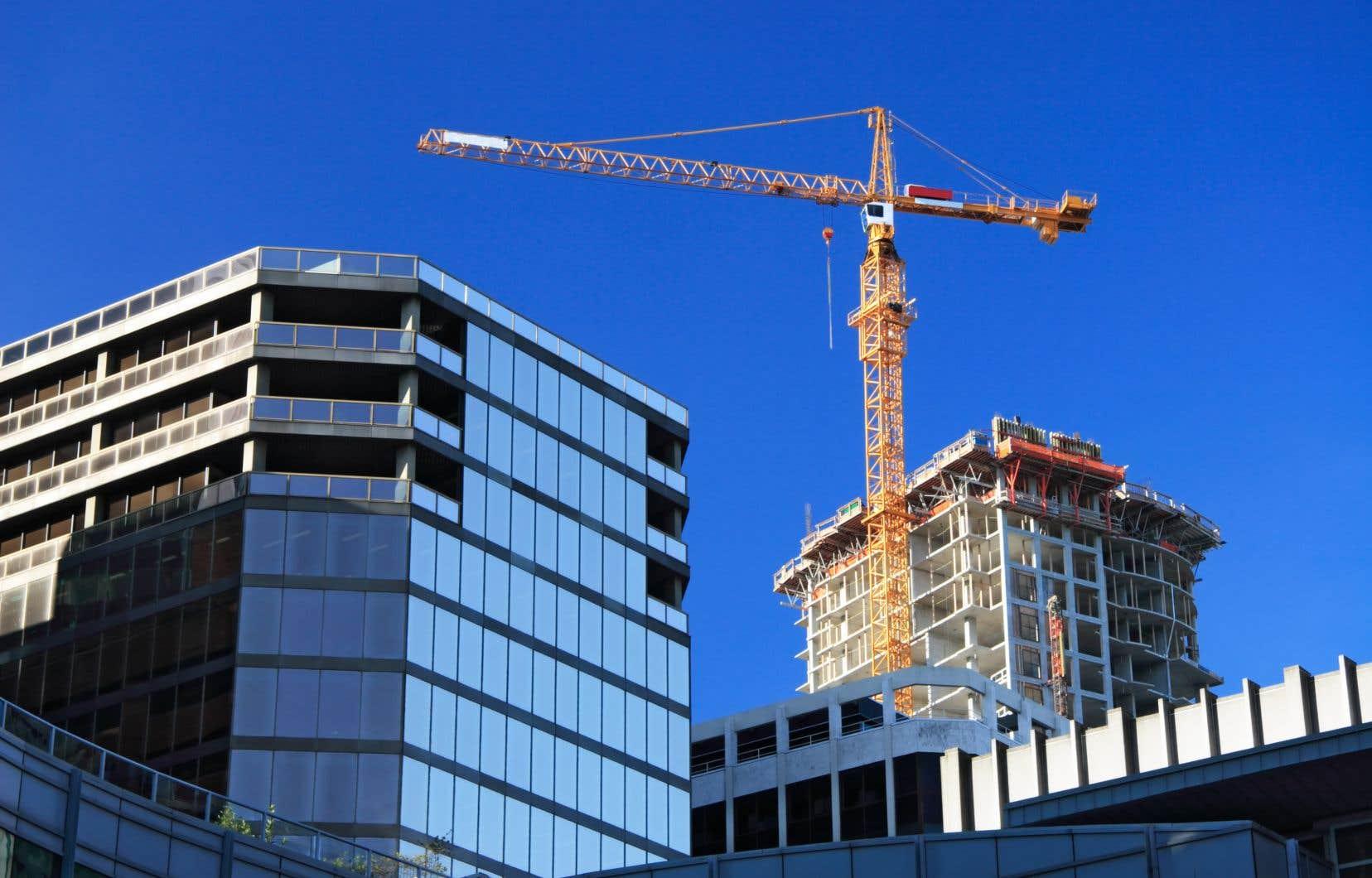 Le rythme des mises en chantier a atteint 245657 logements en juin, en données désaisonnalisées, contre celui de 196809 enregistré en mai, a indiqué mardi la Société canadienne d'hypothèques et de logement.