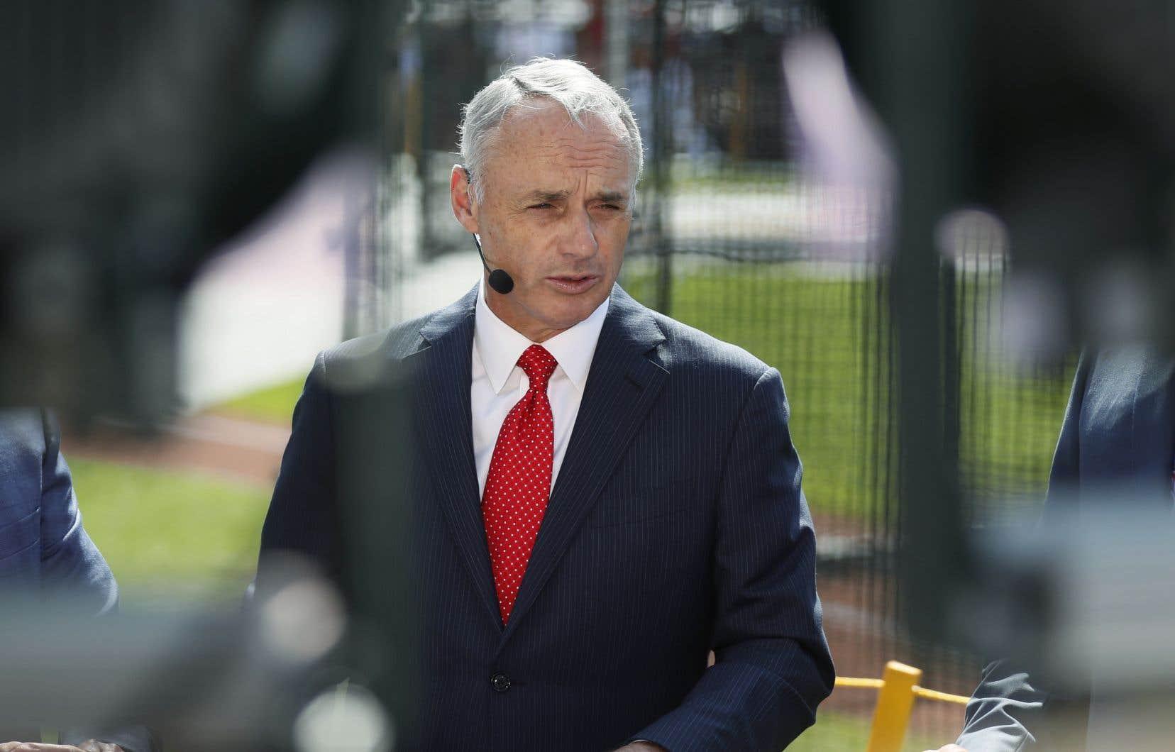 Le commissaire des Ligues majeures de baseball Rob Manfred
