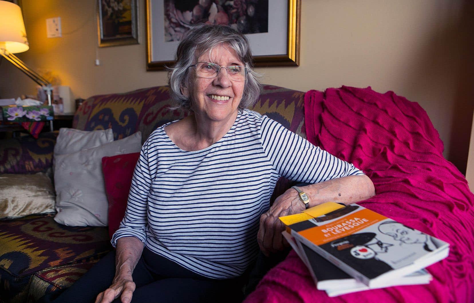 Aline Cloutier serait la toute première femme caricaturiste au Québec, selon l'historien de la bande dessinée Pierre Skilling.