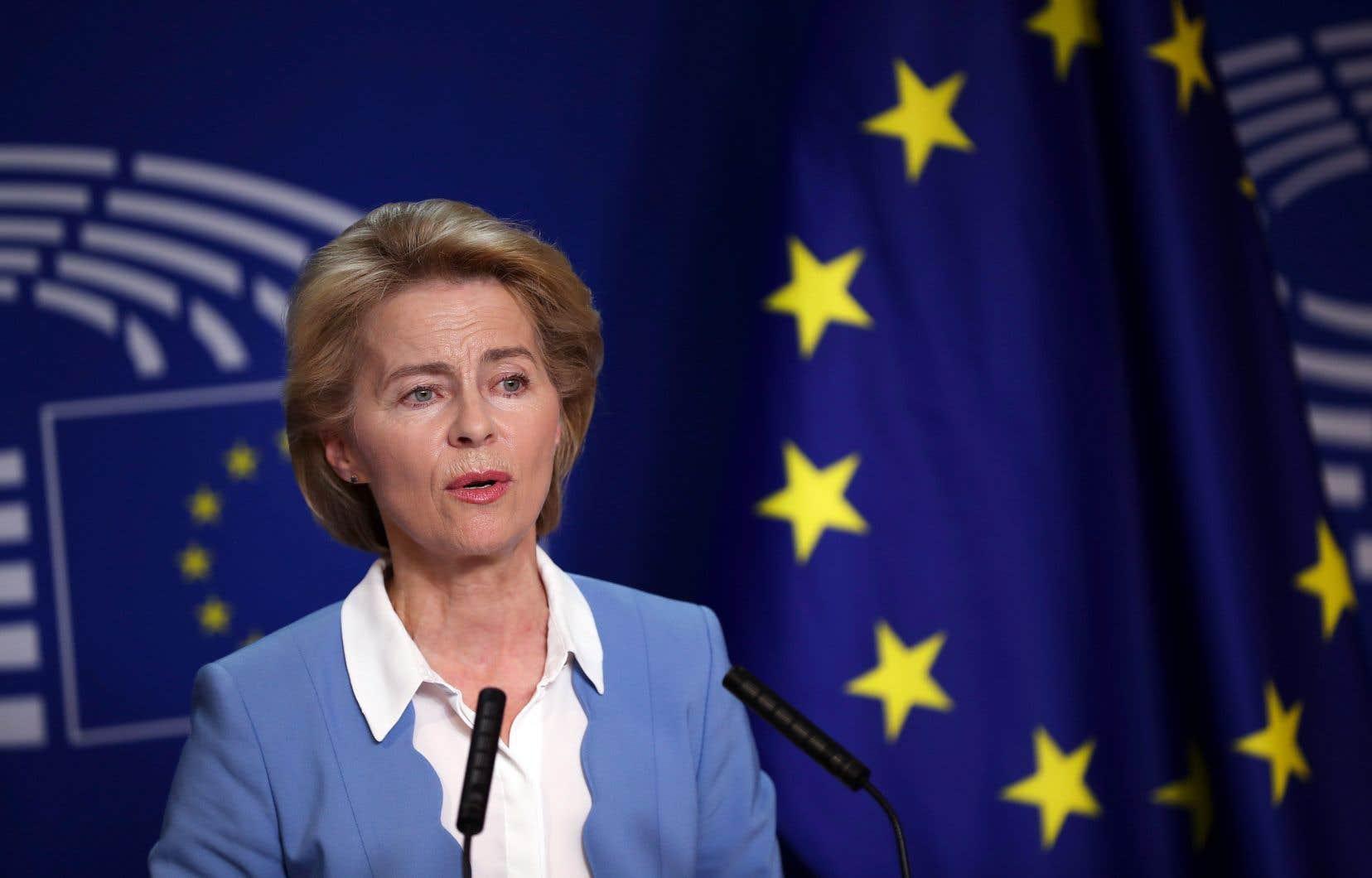 Pour succéder au Luxembourgeois Jean-Claude Juncker le 1er novembre, Ursula von der Leyen doit absolument convaincre les élus européens, plutôt frustrés par la façon dont elle a été désignée.
