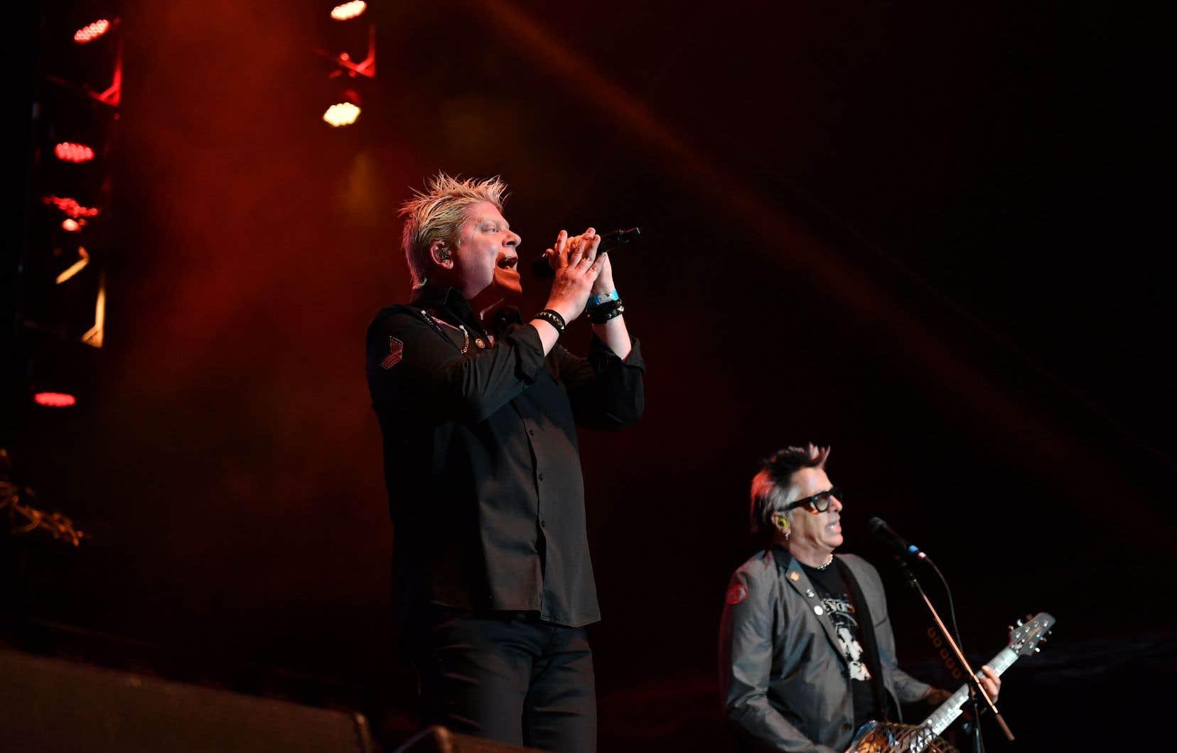 The Offspring ne ralentit pas, explique Noodles, le guitariste (à droite). L'été sera chargé, et le groupe mené par le chanteur Dexter Holland jouera un peu partout sur la planète, avec un fort accent mis sur l'Europe au mois d'août.