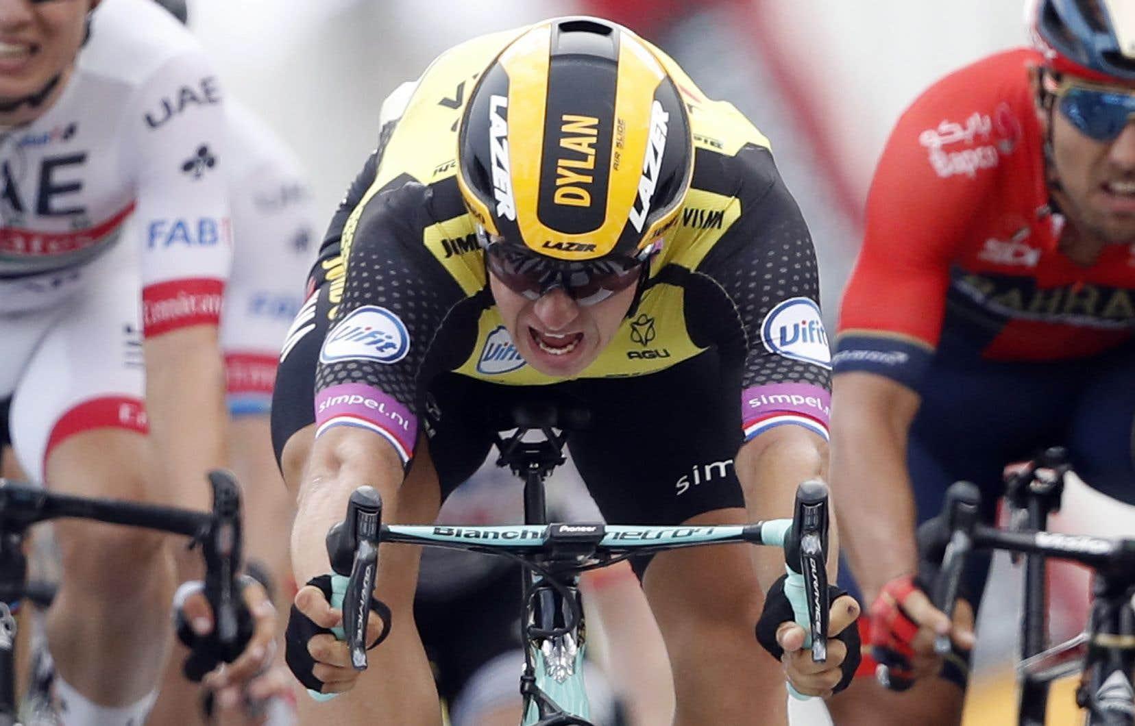 <p>Le Néerlandais Dylan Groenewegen a remporté la plus longue étape du Tour de France au sprint.</p>