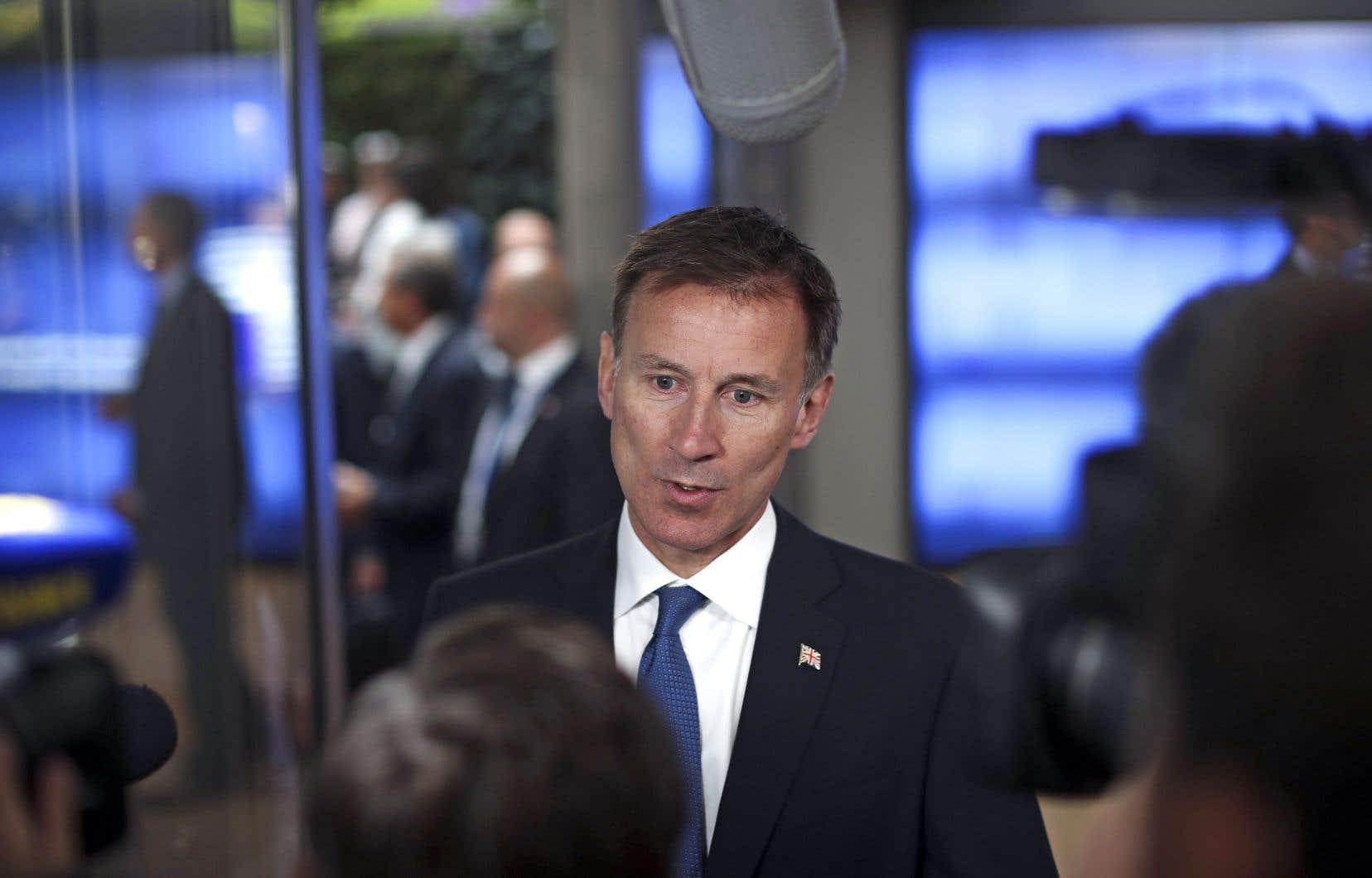 «L'accord n'est pas encore mort», a affirmé le chef de la diplomatie britannique, Jeremy Hunt, à son arrivée pour une réunion avec ses homologues de l'Union européenne.