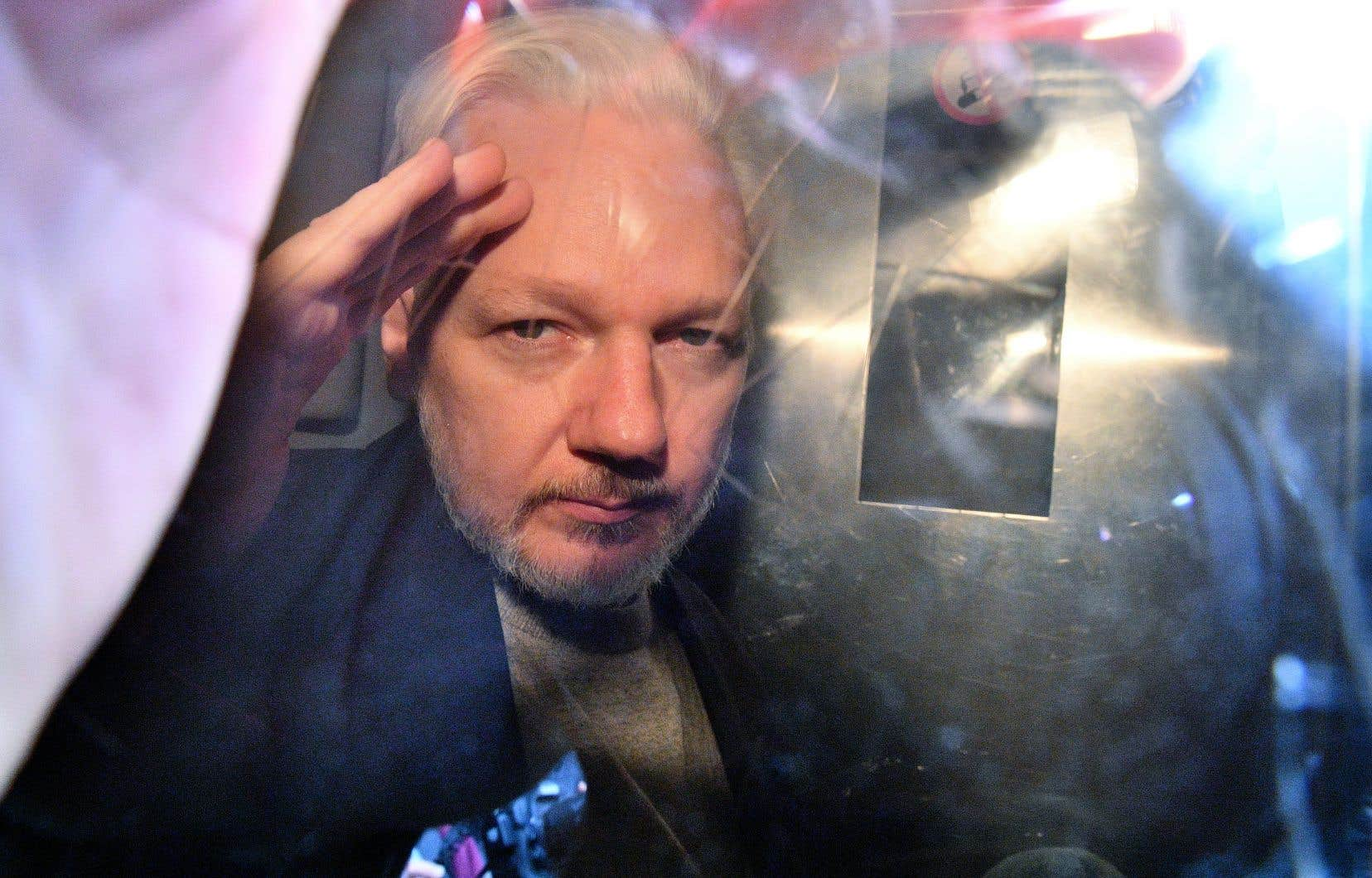 Le fondateur de WikiLeaks, Julian Assange, s'est réfugié pendant près de sept ans à l'ambassade d'Équateur à Londres où il bénéficiait de l'asile politique.