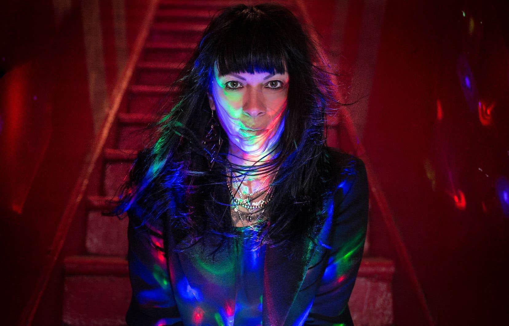 Jennifer Reeder est l'auteure estimée de plus d'une douzaine de courts métrages sélectionnés dans la plupart des festivals d'importance.
