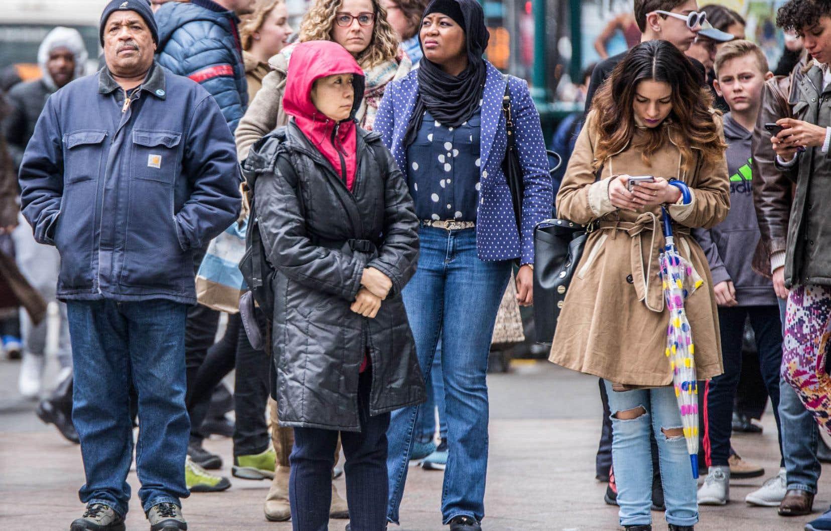 En parallèle avec l'étalement urbain, l'hyperconnectivité est venue reconfigurer nos interactions sociales.