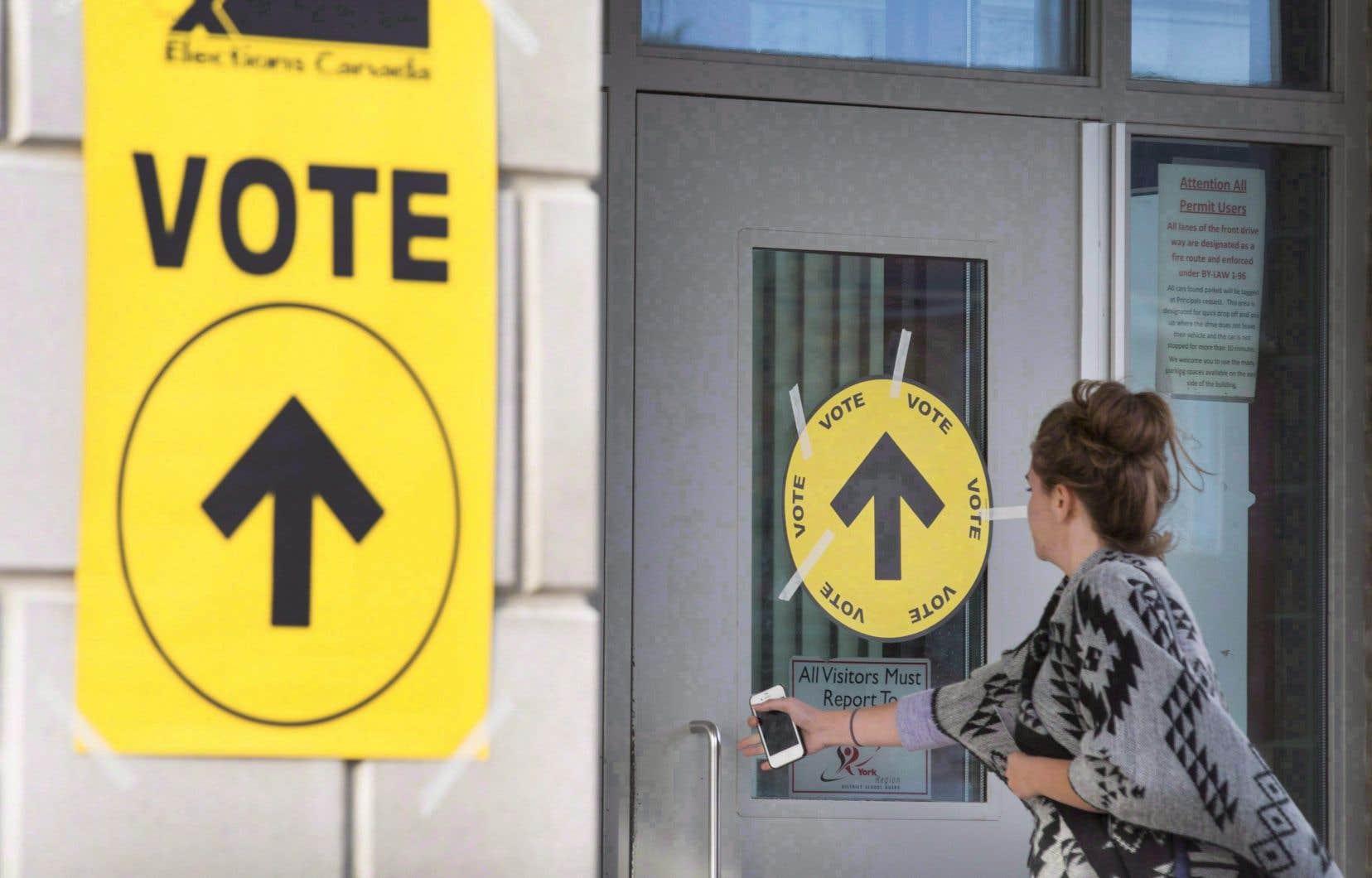 L'étude envisage également un rôle potentiellement élargi pour Élections Canada dans l'administration ou la réglementation des courses.
