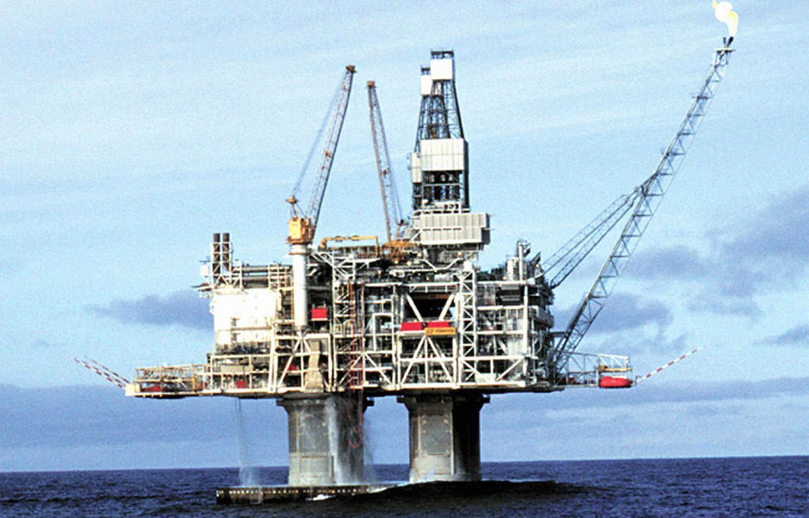 La plateforme Hibernia, située à 315km à l'est de Saint-Jean de Terre-Neuve, est entrée en production en 1997.