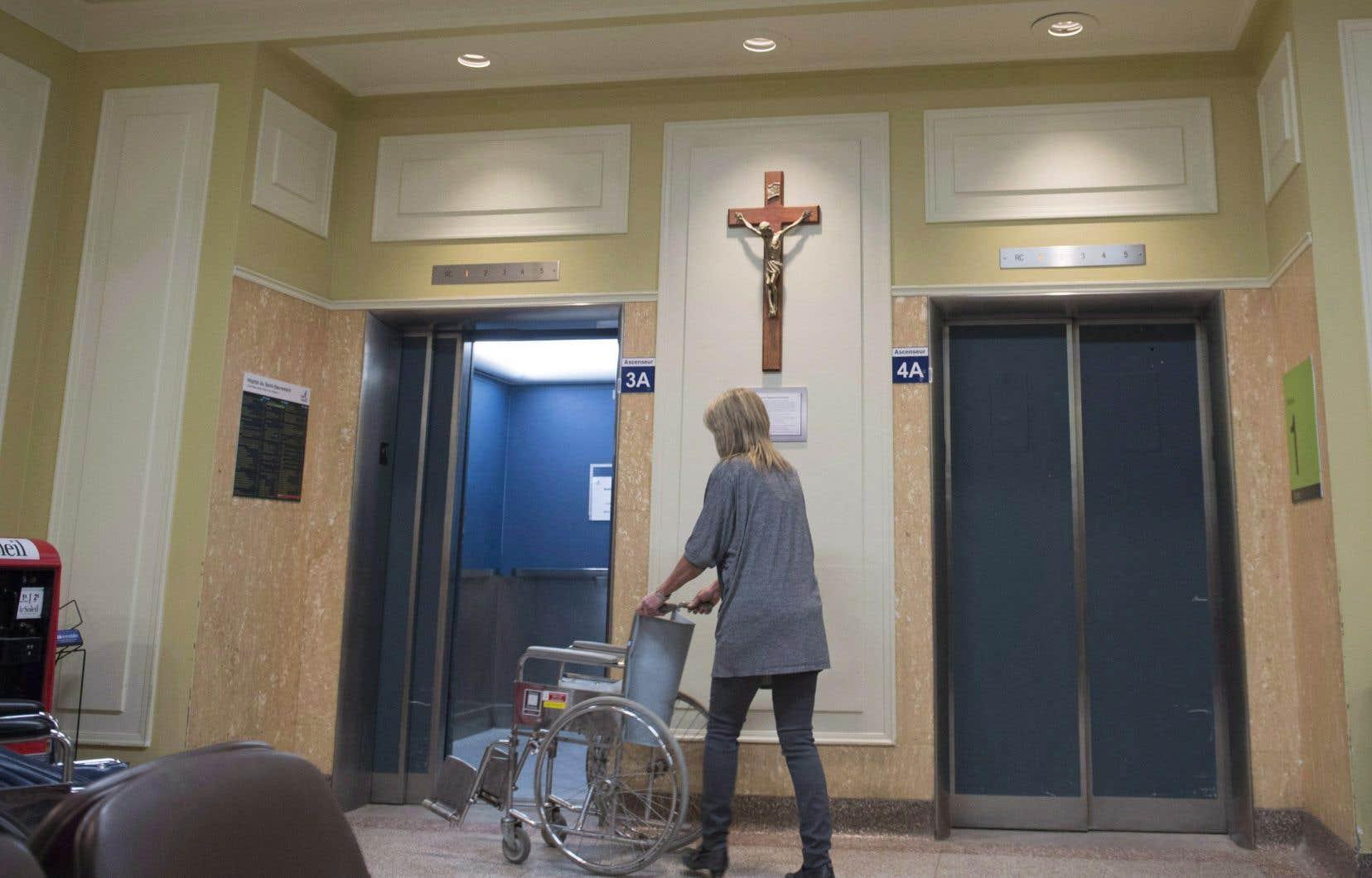 Un amendement ajouté à la dernière minute dans les heures précédant l'adoption de la Loi sur la laïcité de l'État, en juin, empêche tout citoyen de demander le retrait d'un symbole religieux.