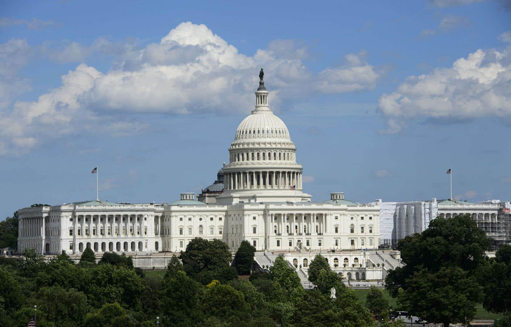 Les résolutions bloquant ces ventes d'armes sont déjà passées par le Sénat et doivent maintenant aller à la Maison-Blanche.